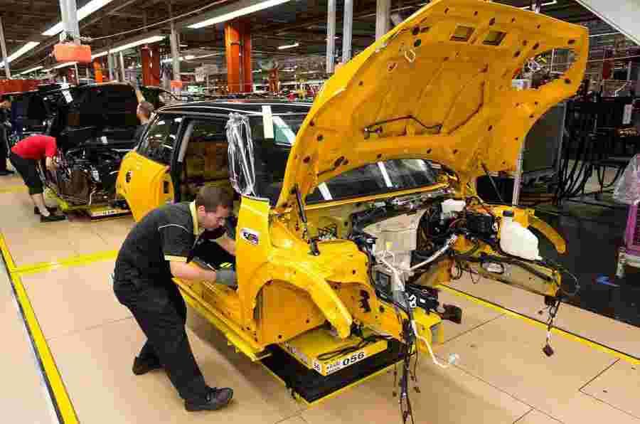 快速新闻:BMW创建新工作,雷诺梅内恩CC Facelift