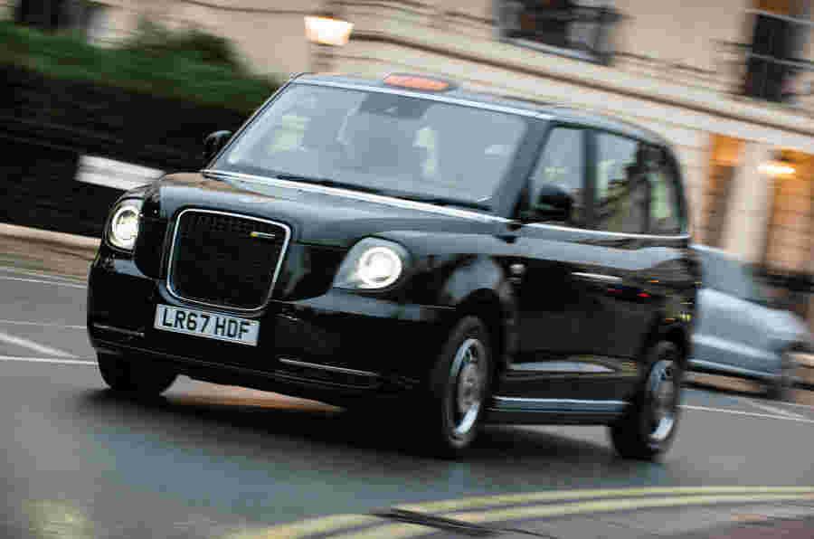 第一次驱动:Levc TX出租车在伦敦的街道上