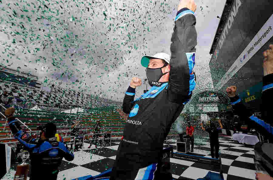 Acura在令人兴奋的Daytona 24小时击败凯迪拉克