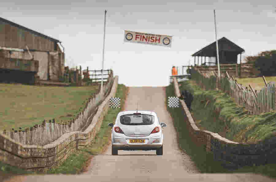 AutoCar帮助推出Vauxhall Corsa的Hillclimb系列