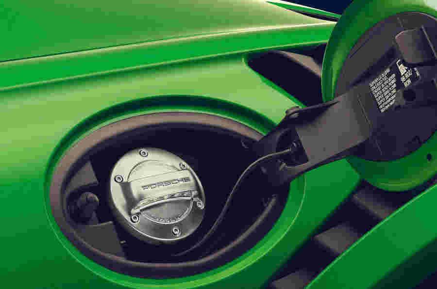 保时捷在2022年开始生产合成燃料